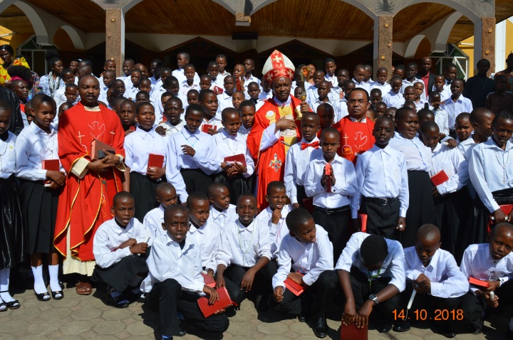Confirmations in Burka Parish Arusha